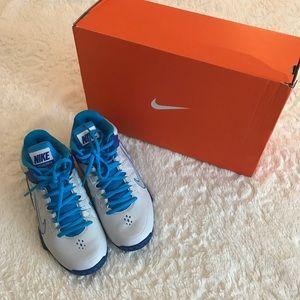 Women's Nike Air Visi Pro IV - Size 6